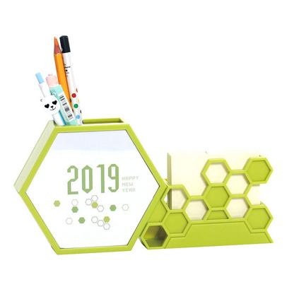 2019猪年新款创意塑料台历多功能办公笔筒月历带便签蜂巢型台历定制